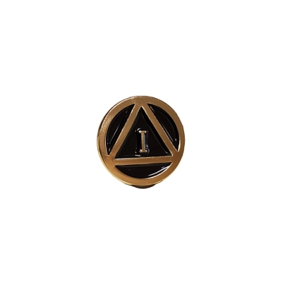 Gold Circle Triangle Motif Yearly 16mm Pin