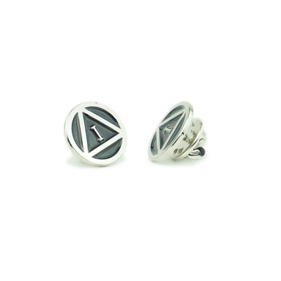 Silver Circle Triangle Motif Yearly 16mm Pin